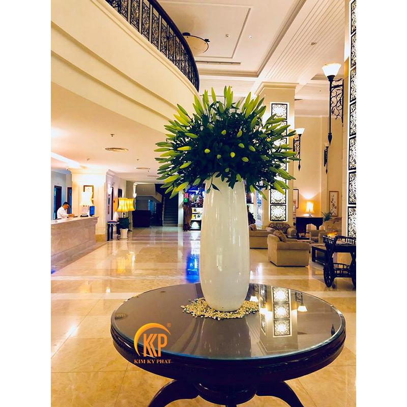 trồng cây chậu composite khách sạn, nhà hàng